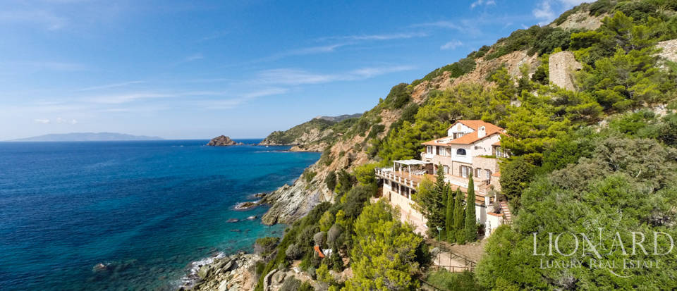 Magnificent Seaside Villa i Mount Argentario Image 1