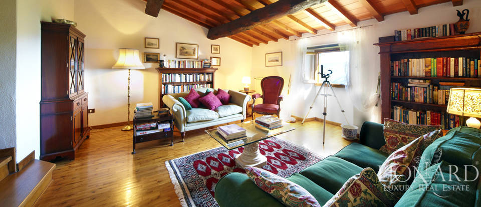 Villas for sale in Florence Image 12