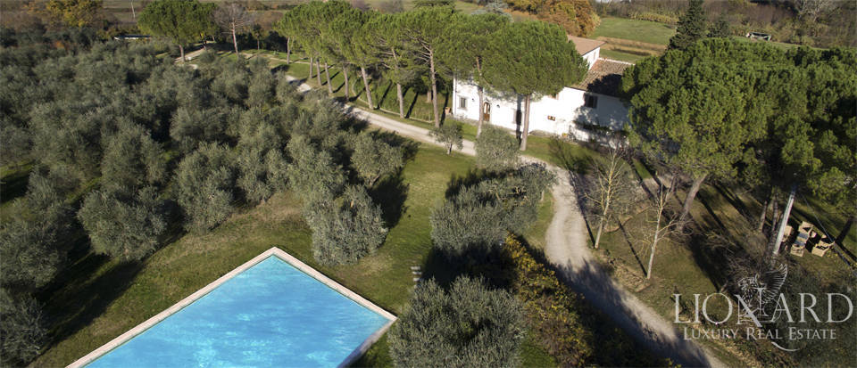 Period residence for sale in Tuscany Image 3