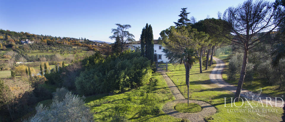 Period residence for sale in Tuscany Image 1
