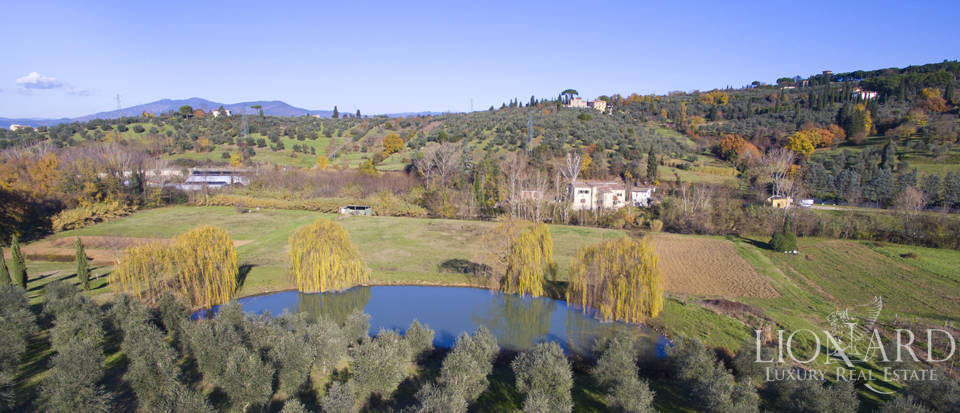 Period residence for sale in Tuscany Image 4