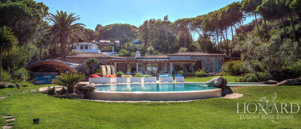 Magnifica villa con piscina in vendita all