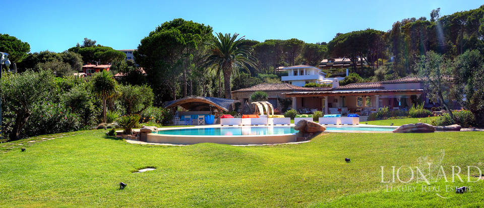 Magnificent Villa with Pool for Sale on Elba Image 1