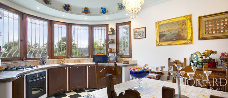 Vilals with pool for sale in Liguria Image 26