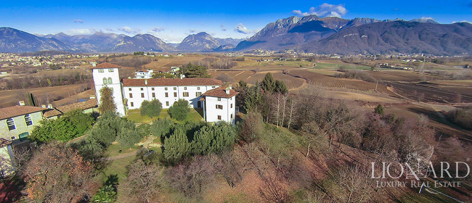 Magnificent Castle for Sale Near Udine Image 1
