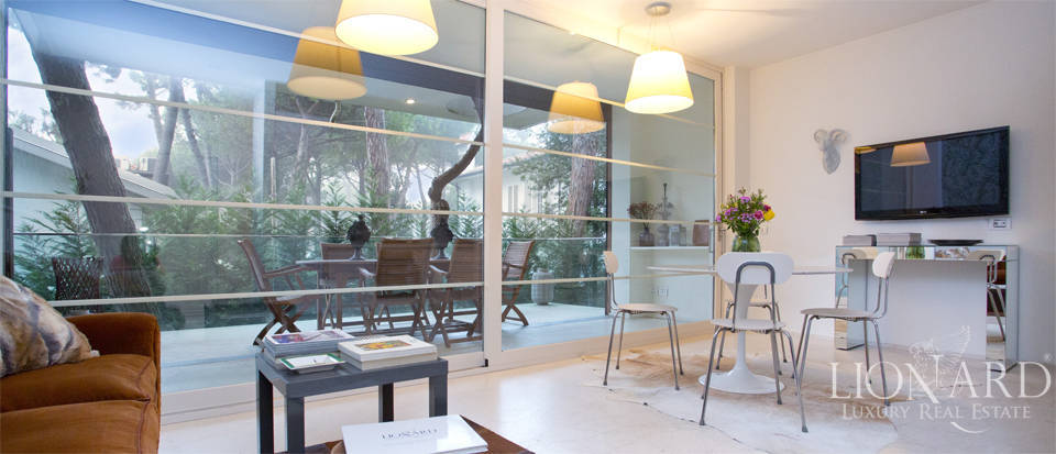 Modern Luxury Apartment in Milan Marittima Image 1
