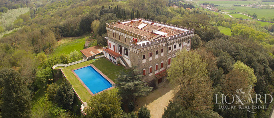 Castles for sale in Tuscany Image 4