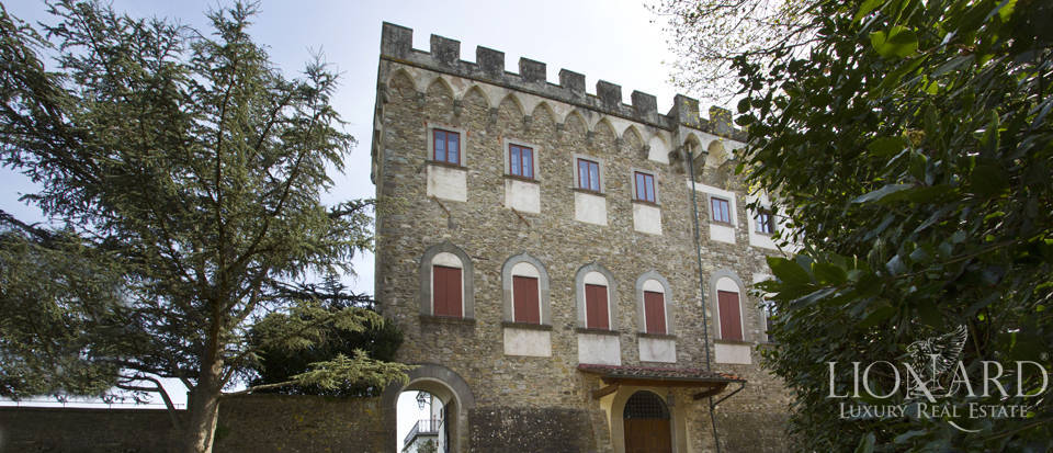 Castles for sale in Tuscany Image 12