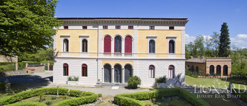 Luxury villa for sale in Siena Image 2