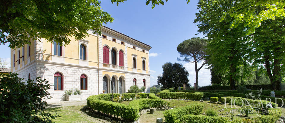 Luxury villa for sale in Siena Image 7