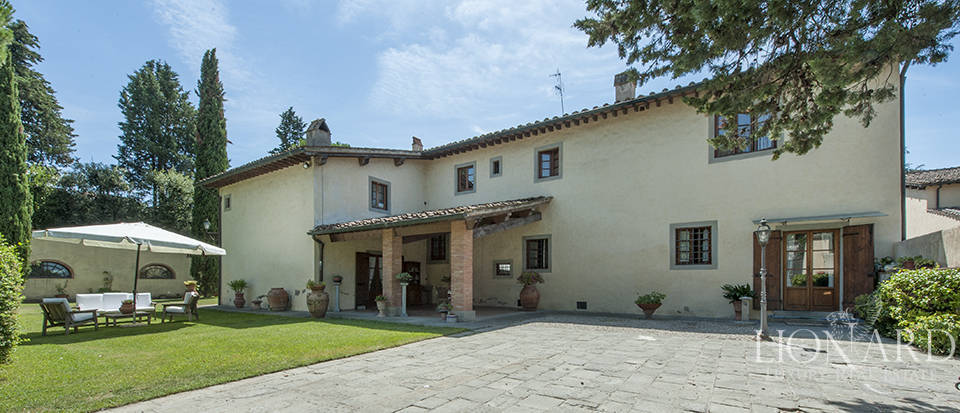 Luxury villa for sale in the heart of Tuscany Image 15