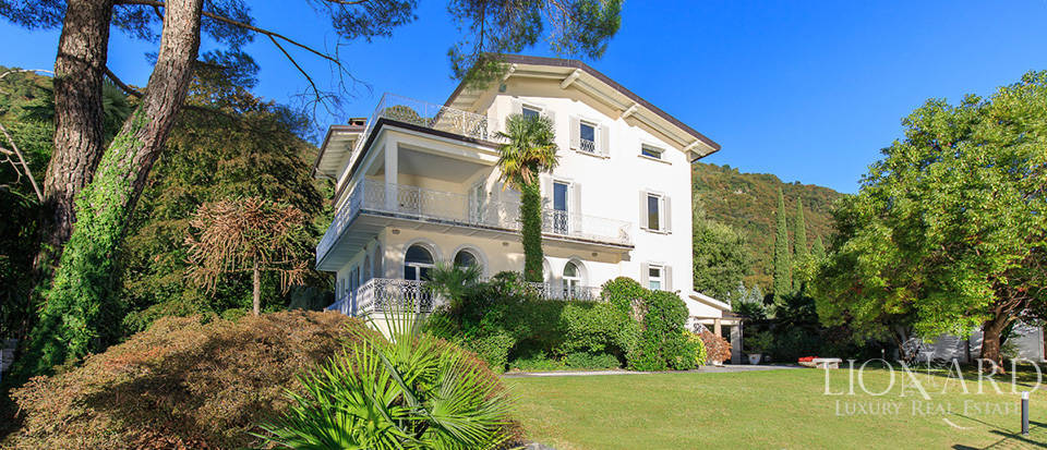 Villa for sale on the shores of Lake Como Image 2