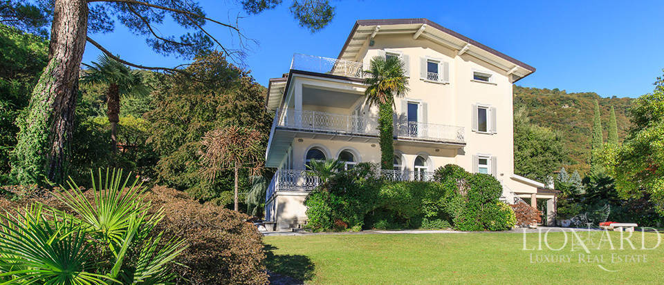 Villa for sale on the shores of Lake Como Image 3