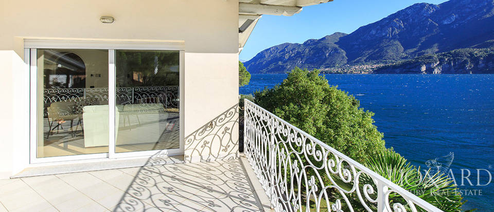 Villa for sale on the shores of Lake Como Image 26