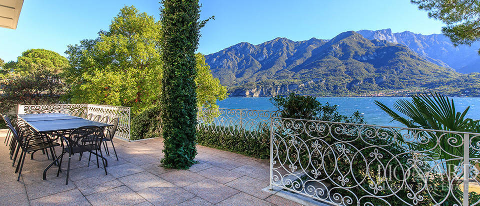 Villa for sale on the shores of Lake Como Image 14