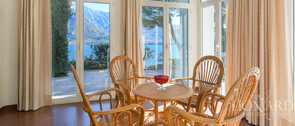Villa for sale on the shores of Lake Como Image 42