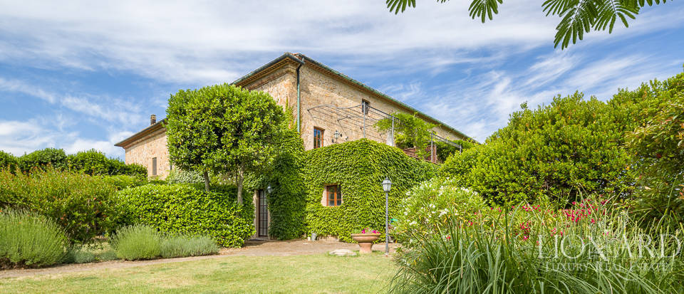 Luxury agritourism estate for sale in Pisa Image 11