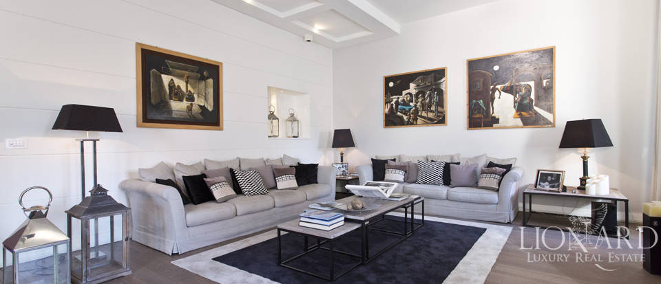Luxury apartment for sale in Villa Borghese Image 1