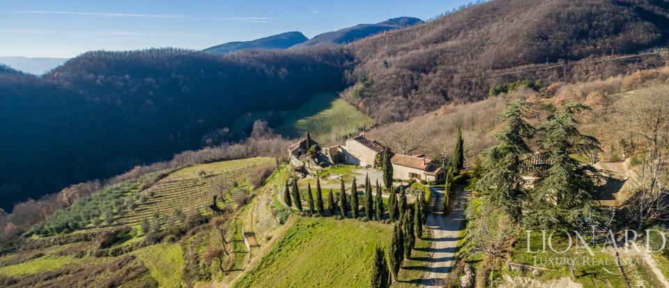 Luxury hamlet for sale near Florence Image 5
