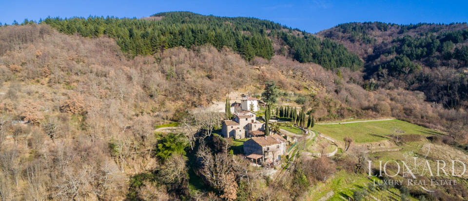 Luxury hamlet for sale near Florence Image 3