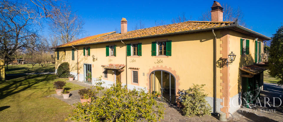 Prestigious estate in the Tuscan countryside Image 2
