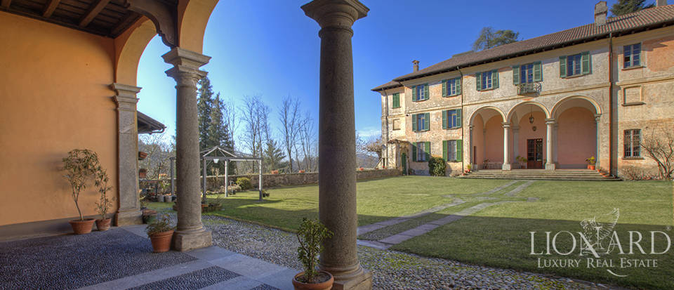 Luxury villa for sale in Como Image 2