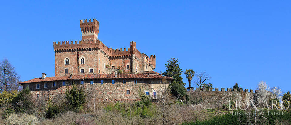 Prestigious castle for sale near Cuneo Image 6