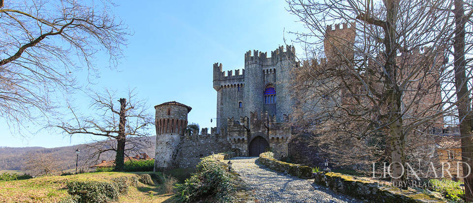 Prestigious castle for sale near Cuneo Image 15