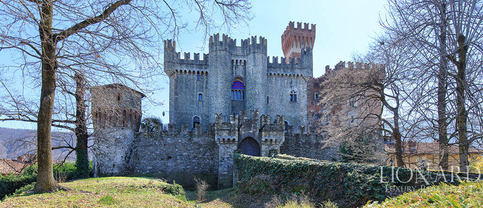 Prestigious castle for sale near Cuneo Image 16