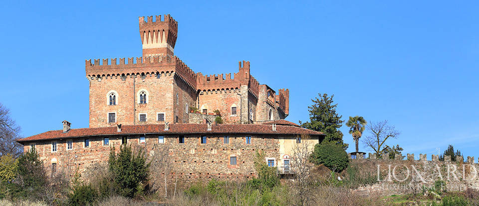 Prestigious castle for sale near Cuneo Image 4