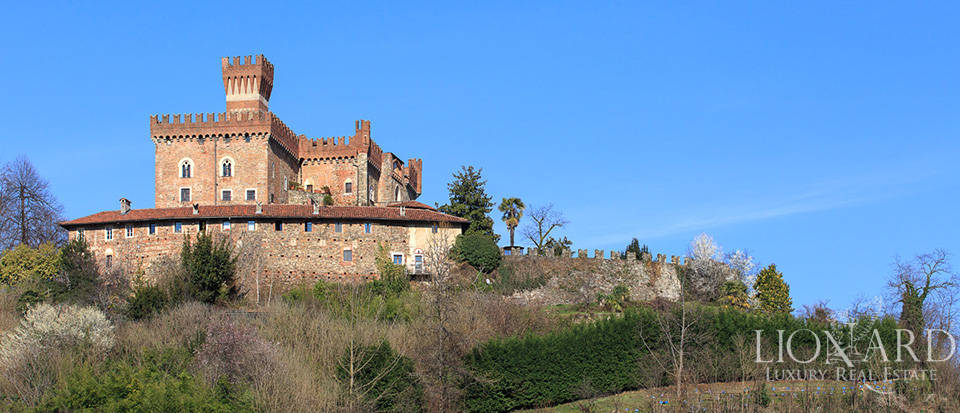Prestigious castle for sale near Cuneo Image 3