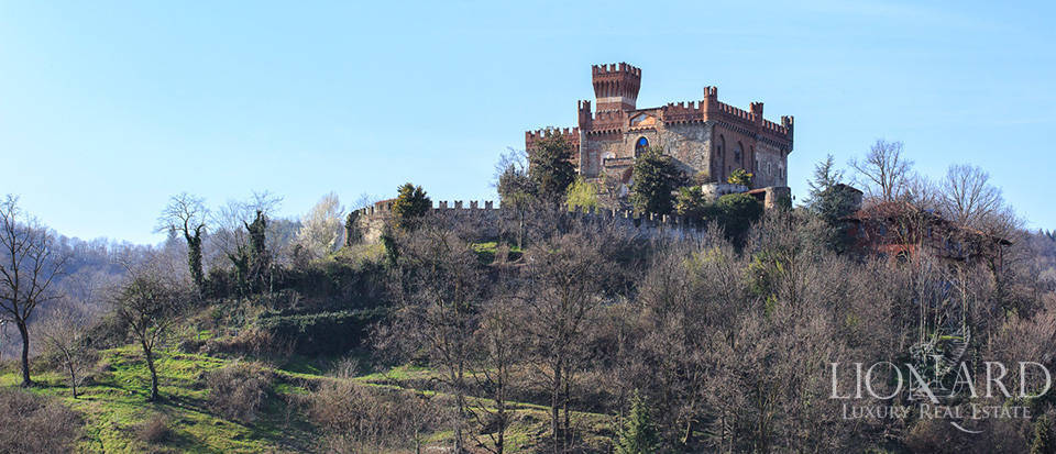 Prestigious castle for sale near Cuneo Image 12
