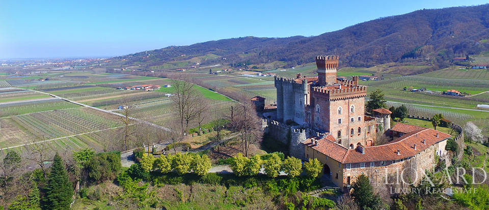 Prestigious castle for sale near Cuneo Image 10
