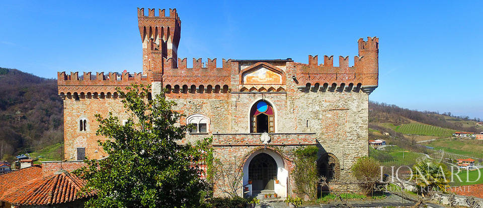 Prestigious castle for sale near Cuneo Image 14