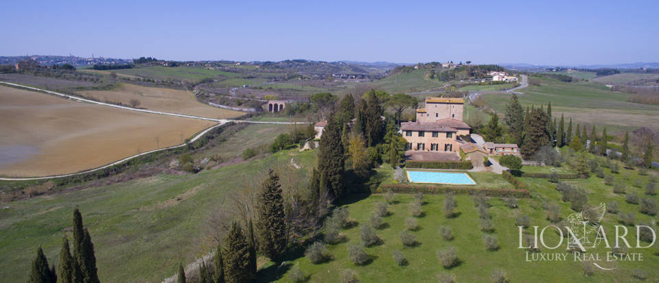 Estate for sale near Siena Image 2