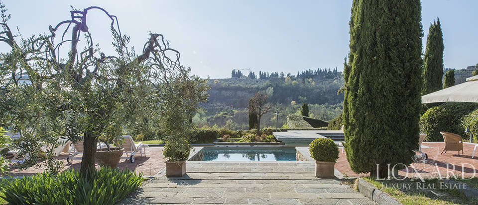 lovely villa with swimming pool in the tuscan countryside
