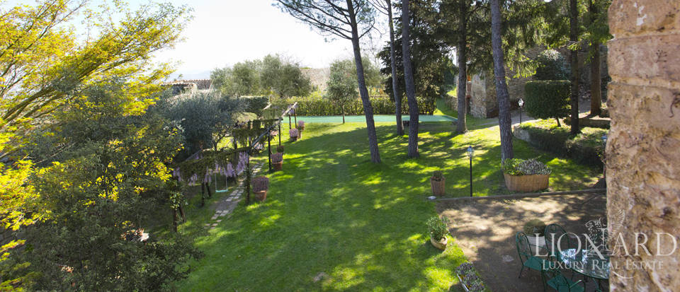 Prestigious hotel for sale in Tuscany Image 3