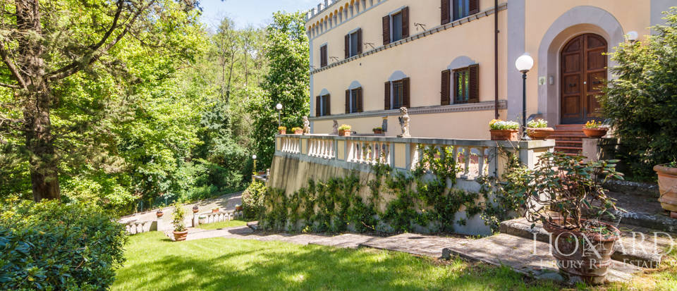 Dream villa for sale in Florence Image 5