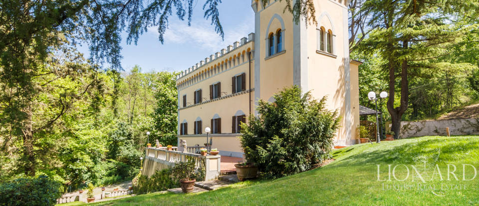 Dream villa for sale in Florence Image 6