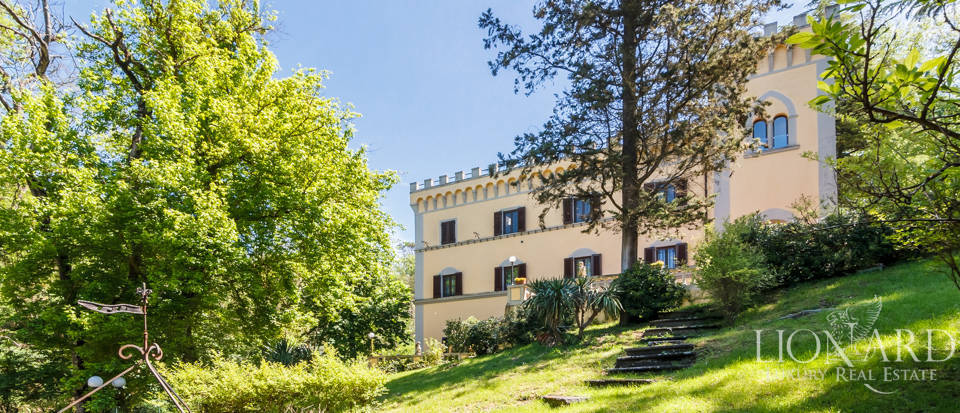 Dream villa for sale in Florence Image 8
