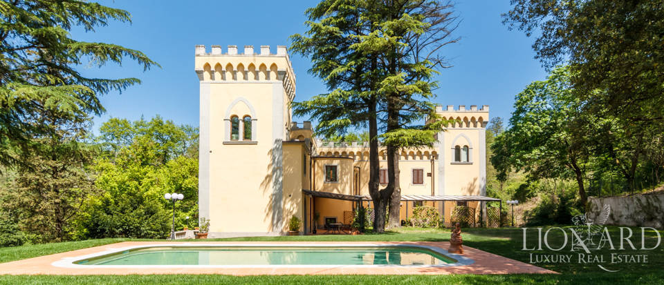Dream villa for sale in Florence Image 15