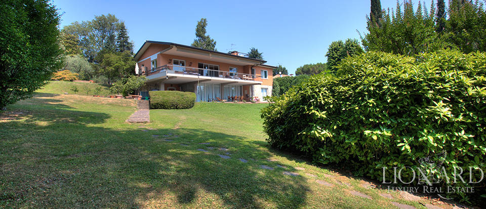 Villa for sale by Lake Garda Image 17