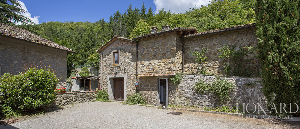 Luxurious country home for sale in the Mugello area Image 24