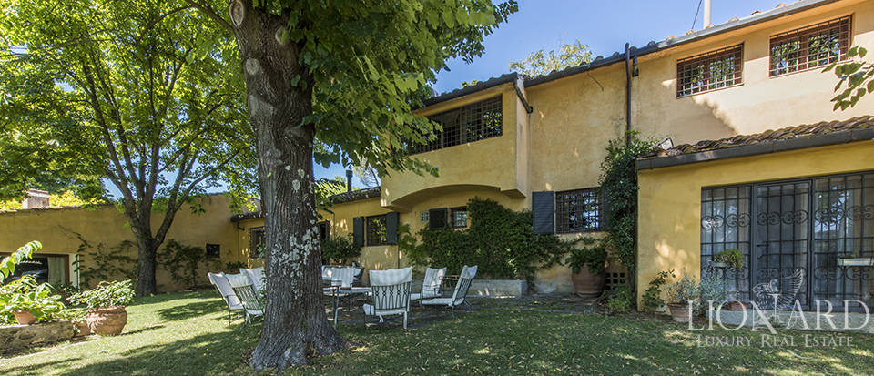 Tuscan villa for sale in Fiesole Image 2