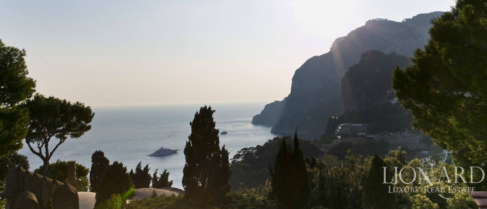 Villa for sale in Capri Image 1