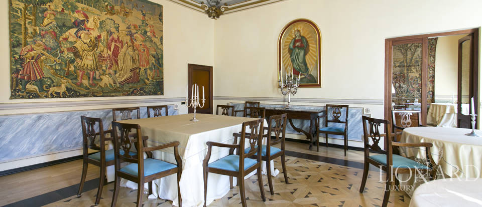 Wonderful historical estate for sale in the heart of Assisi in Umbria Image 36