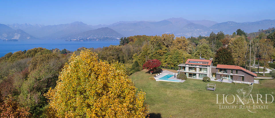 Luxurious villa for sale by Lake Maggiore Image 3