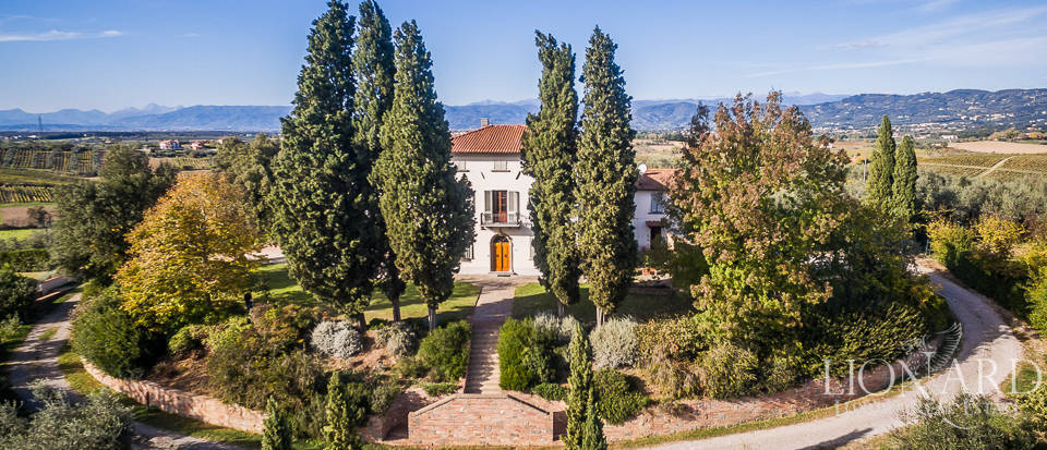 Villa for sale in Tuscany Image 4