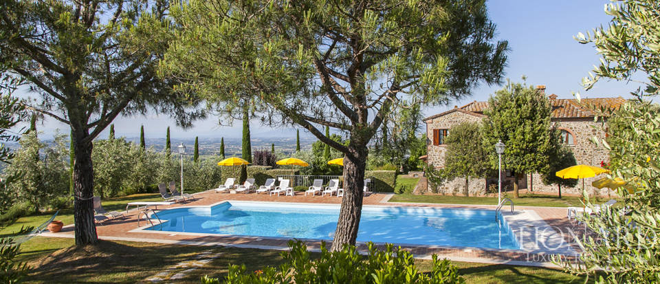 Tuscan farmhouse for sale near Siena Image 51