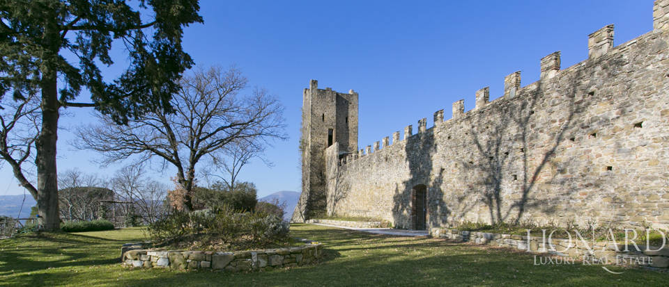 Centuries-old castle for sale in Umbria Image 21
